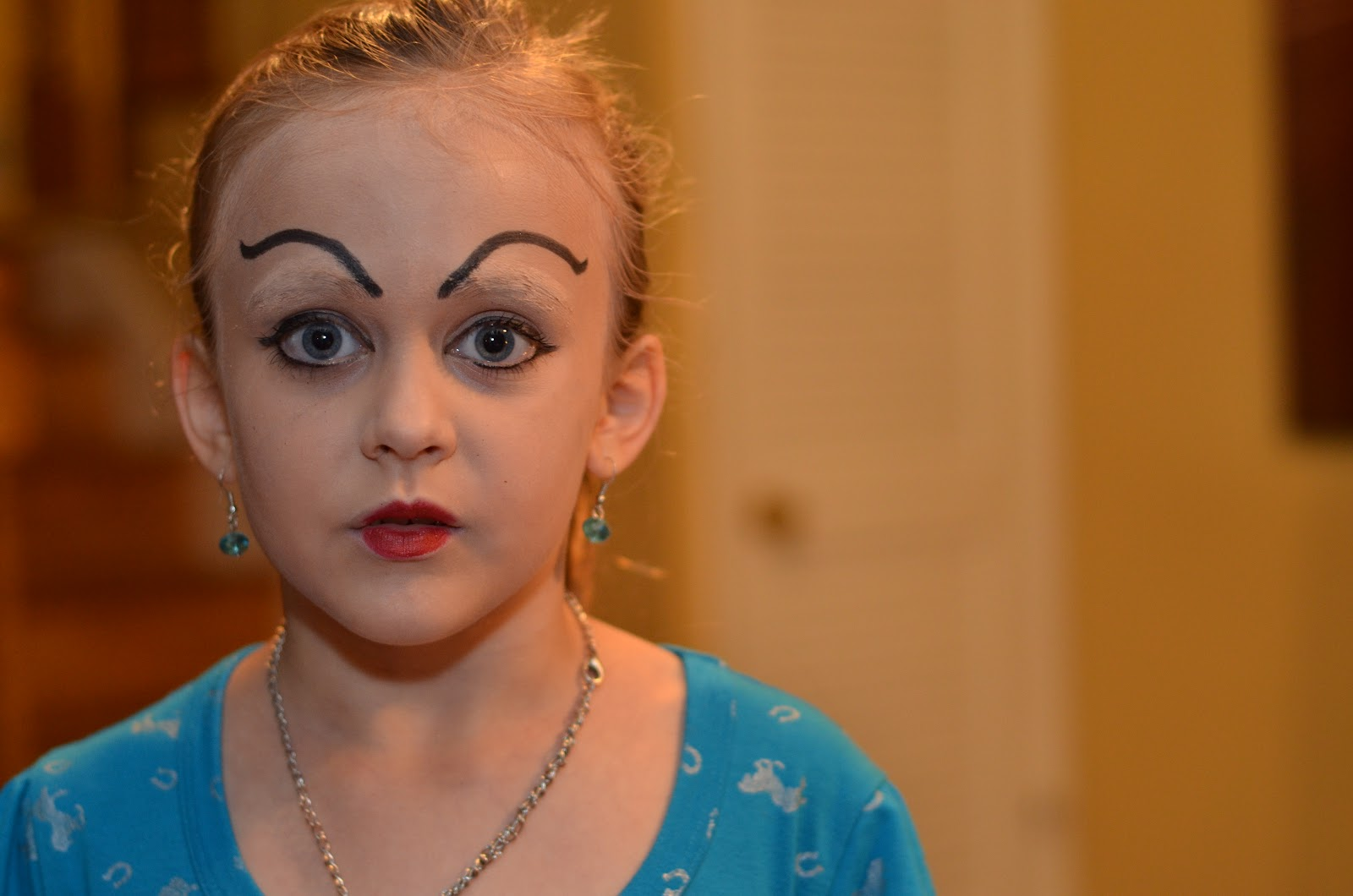Pageants for Little Girls Wearing Too Much Makeup - Bing ...