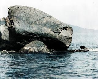 bongkahan batu besar kodon-kodon