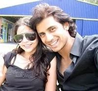 शिव पंडित अपनी पत्नी के साथ | shiv panditt with her wife