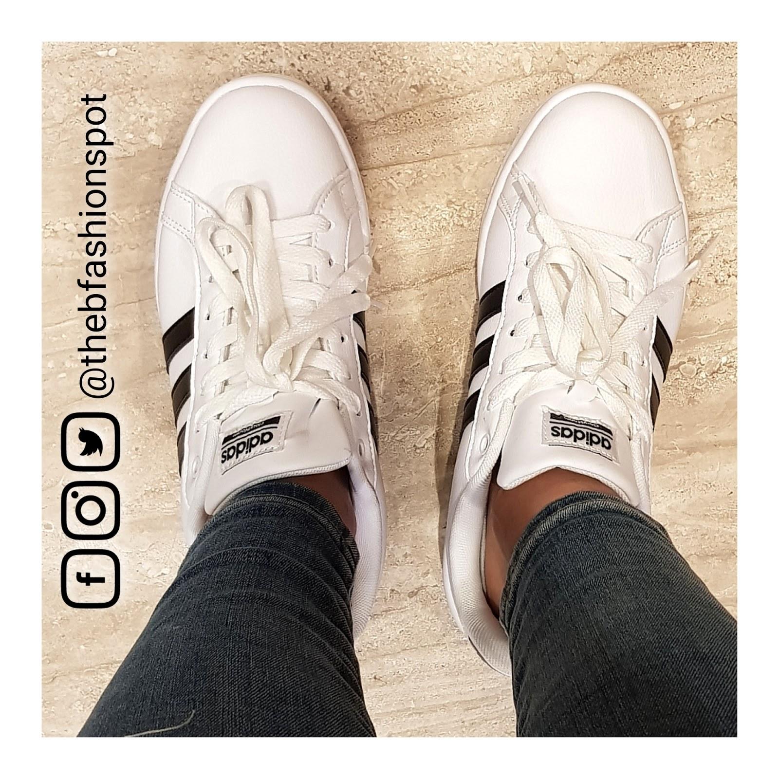 new style 63198 9a515 Tenis Adidas blancos y negros