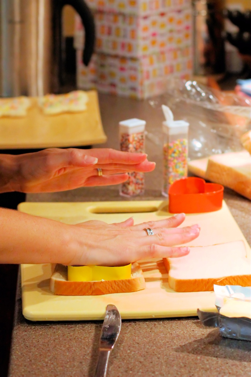 how to make pink bread