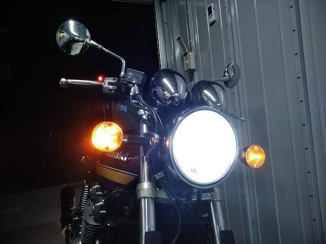 ゼファー1100RS LEDヘッドライトの写真