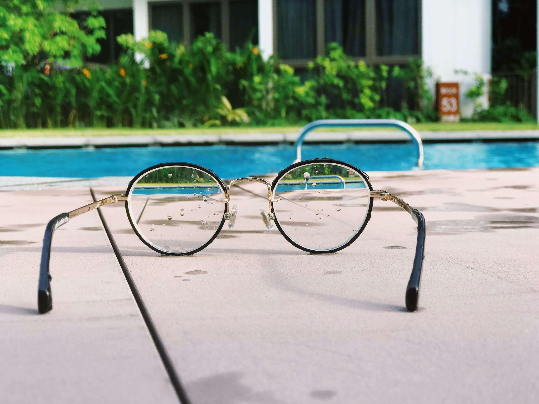 glasses, pool, perception, perspective, look,