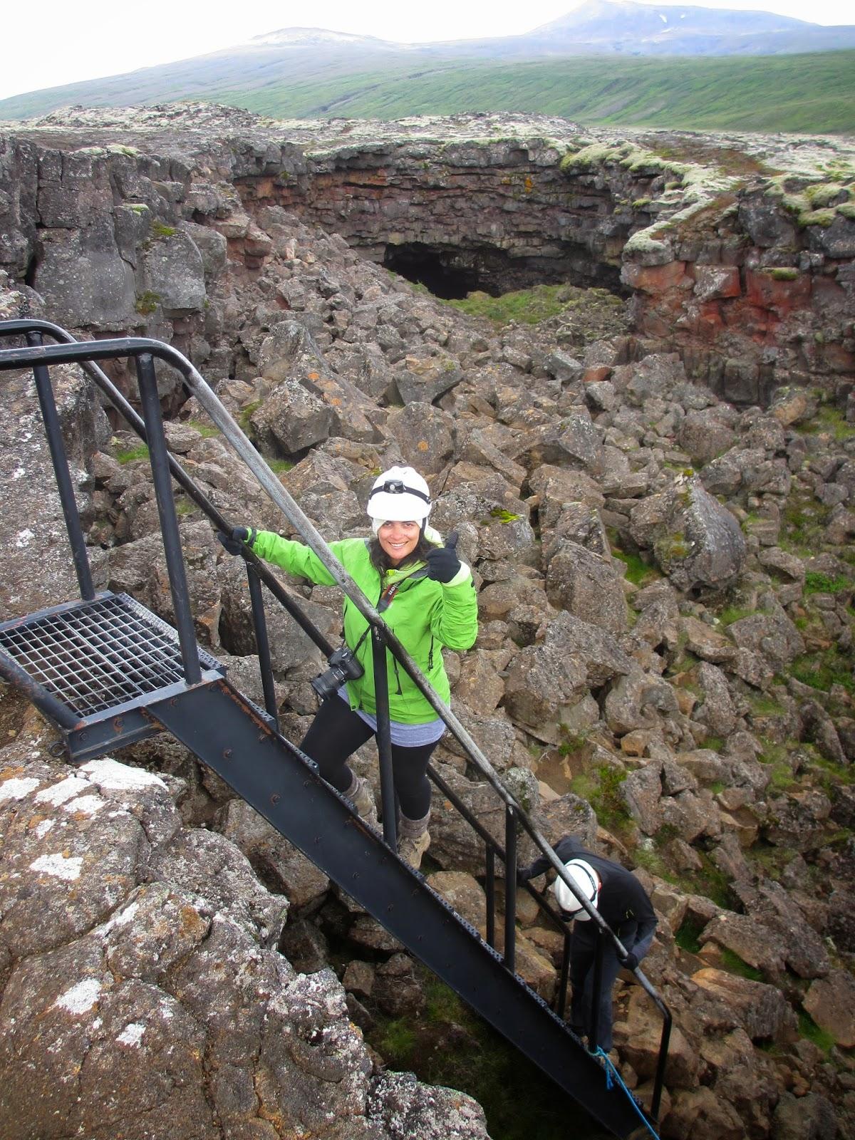 TUBOS DE LAVA DE HALLMUNDARHRAUN- Uma viagem ao interior da Terra em Reykholt | Islândia