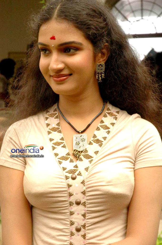 Actress Soundarya Nude Photos