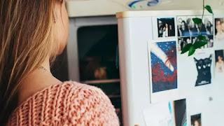 Tips Mudah Menguras dan Membersihkan Kulkas Agar Tak Bau