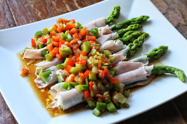 Asparagus with Ham, Bell Pepper and Balsamic Vinegar