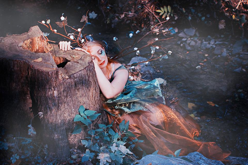 Krásná Johanka jako Dryáda a tématické focení Lesní bytosti
