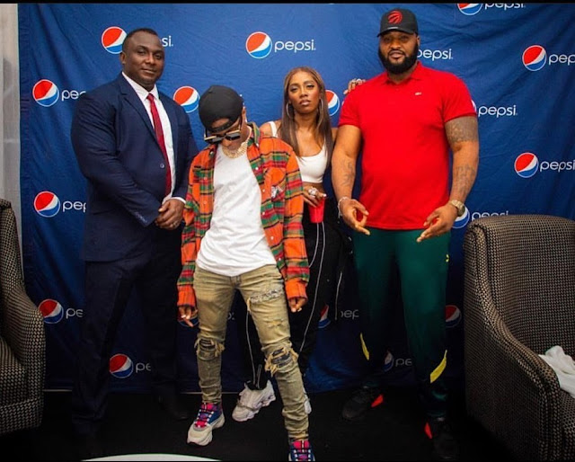 Wizkid Pictured With His 'Bestie' Tiwa Savage & Bodyguards