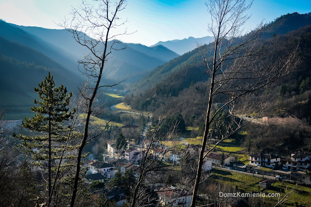 Dolina Lamone Dom z Kamienia