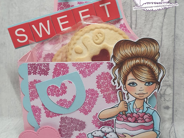 Apron Shaped Treat Box Featuring Love Muffin