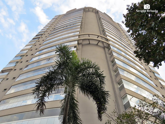 Perspectiva inferior da fachada do Edifício Via Jardins Parque - Indianópolis - São Paulo