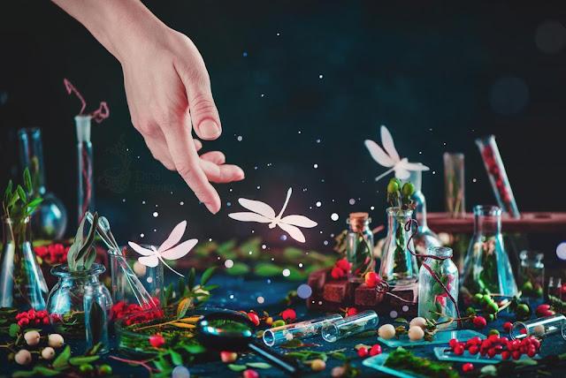 https://www.deviantart.com/dinabelenko/art/Of-greenhouse-and-orchard-664185321