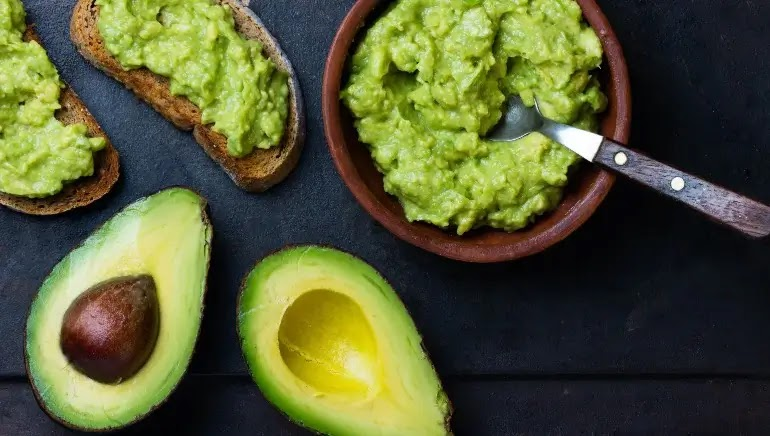 makan-alpukat-setiap-hari-dapat-menjaga-kesehatan-usus