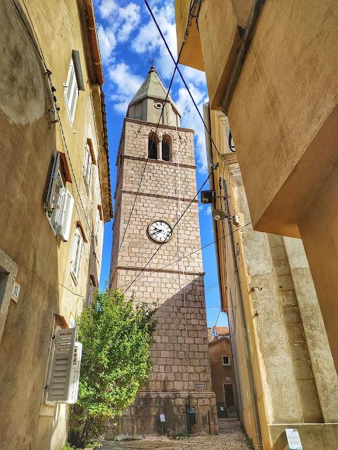 Vribnik kościół mariański z XV – XVI w z dzwonnicą