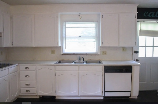 laminate countertops with white painting oak cabinets