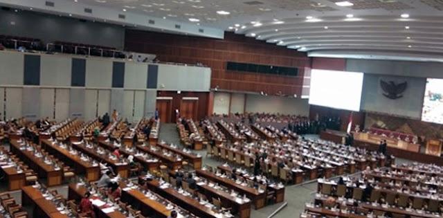 Sibuk Ngurus Pendaftaran, 497 Anggota Dewan Absen Rapat Paripurna