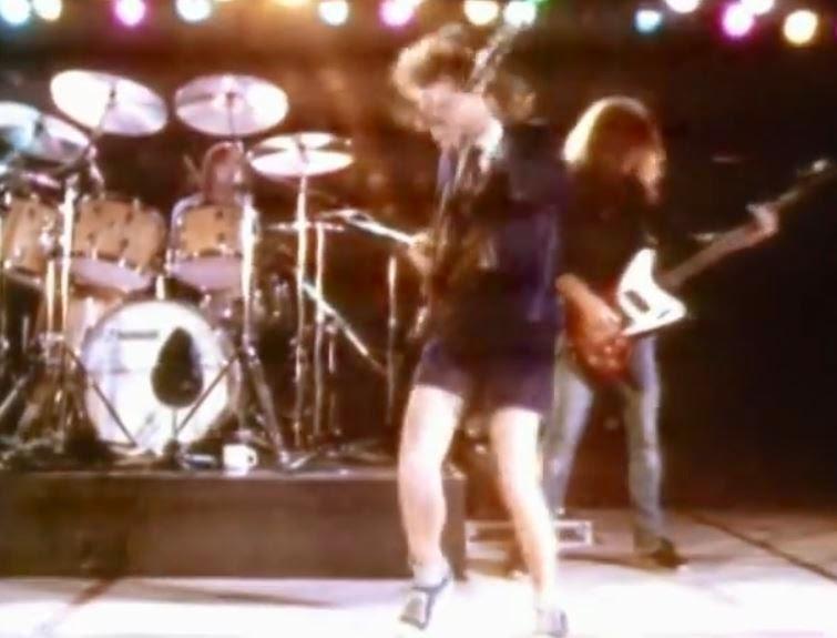 videos-musicales-de-los-80-ac-dc-back-in-black