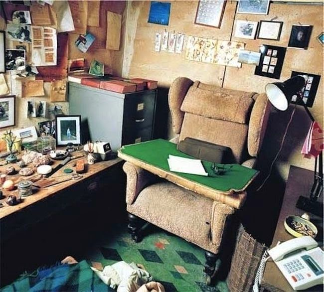 Workspaces Of The Greatest Artists Of The World (38 Pictures) - Roald Dahl, children's author
