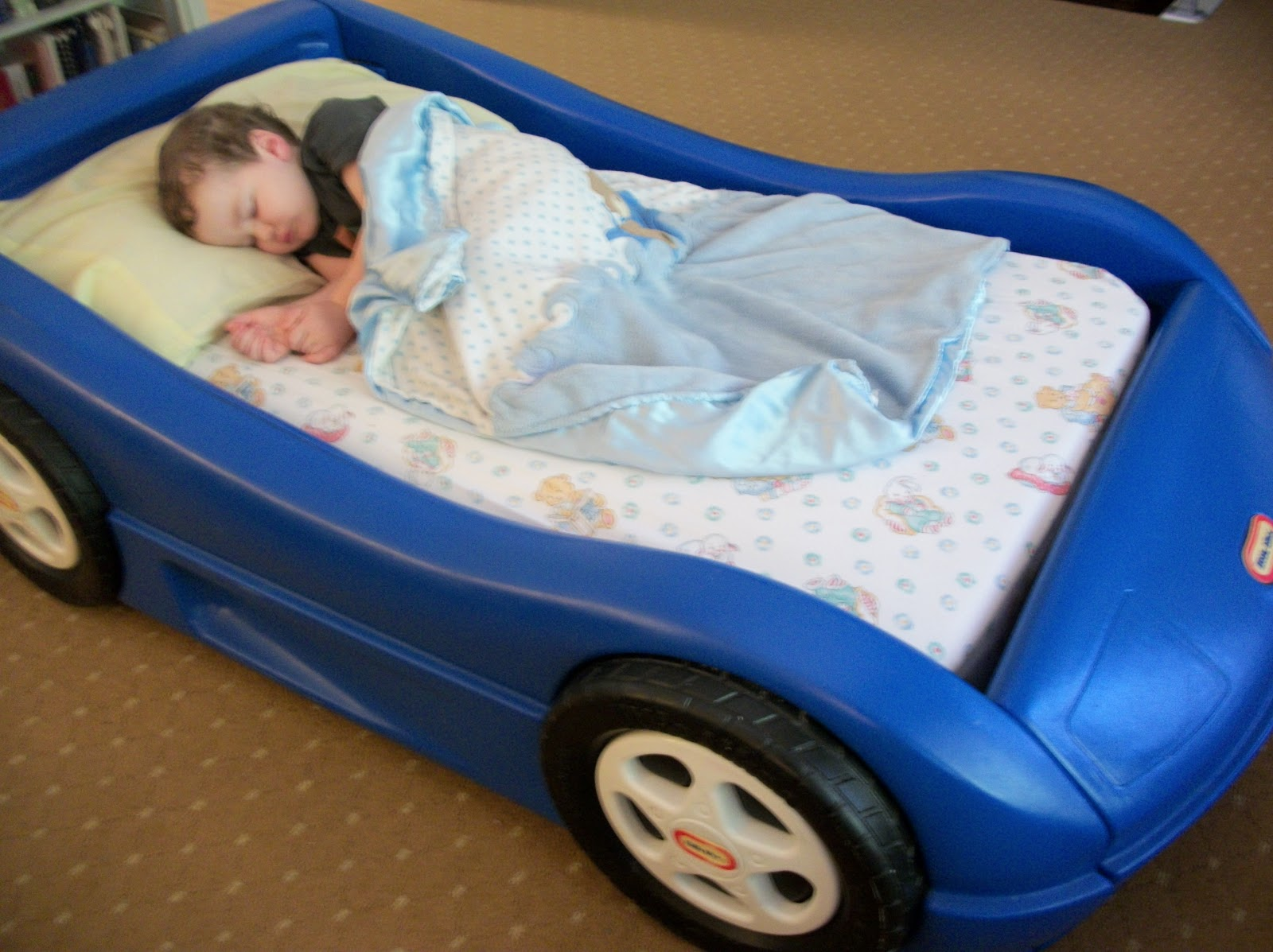Little Tikes Blue Car Bed: Bella Maria Mom . .: Race Car Beds