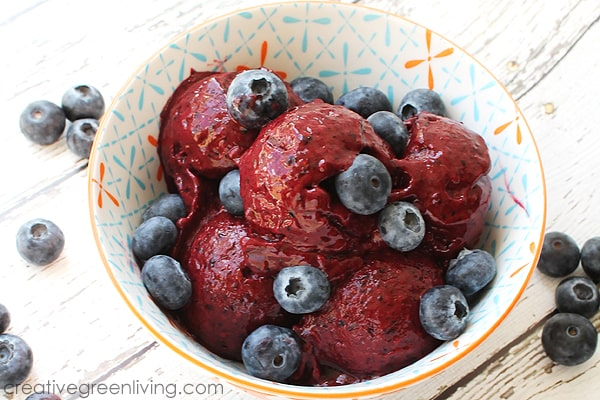 How to make vegan ice cream or nice cream with frozen fruit.