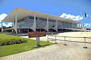 CPI da Pandemia cobra de Bolsonaro resposta sobre denúncias do deputado Luis Miranda