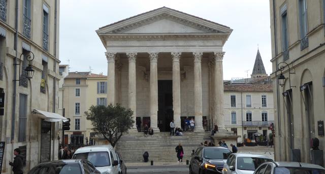 Nîmes, la maison carrée