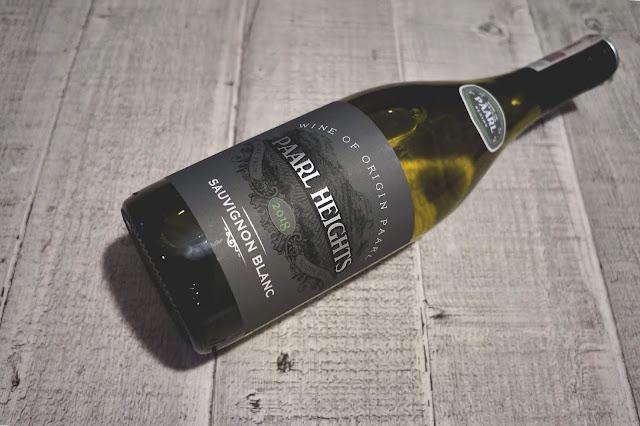 Dobre, białe wytrawne wino z Auchan