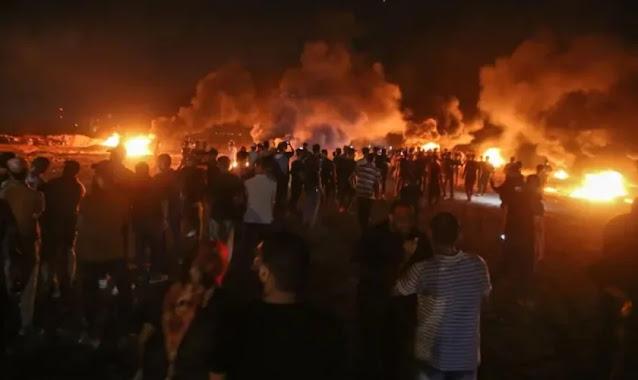 Palestinos se revoltam na fronteira de Gaza enquanto Israel e Hamas voltam a se atacar