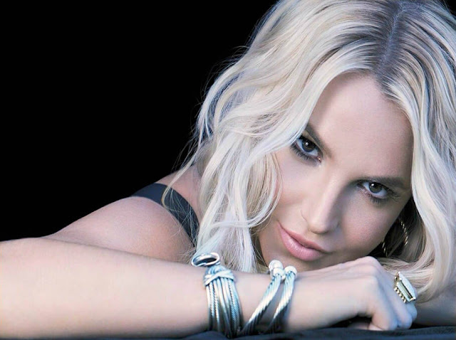Britney Spears, Make me, noticias musicales