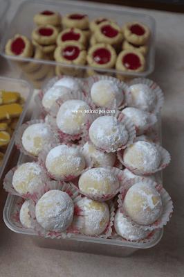 Cara membuat 5 jenis kue kering hanya dengan 1 kilogram tepung terigu