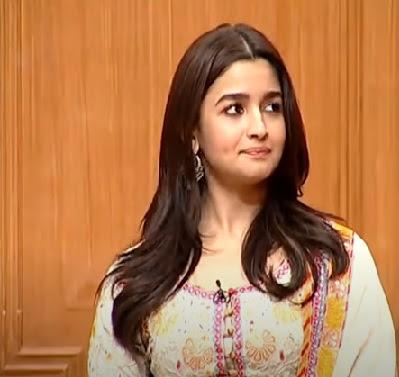Actress Alia Bhatt Reached Her Parents Despite Lockdown