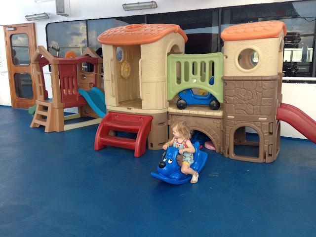 lasten leikkipaikka laivalla