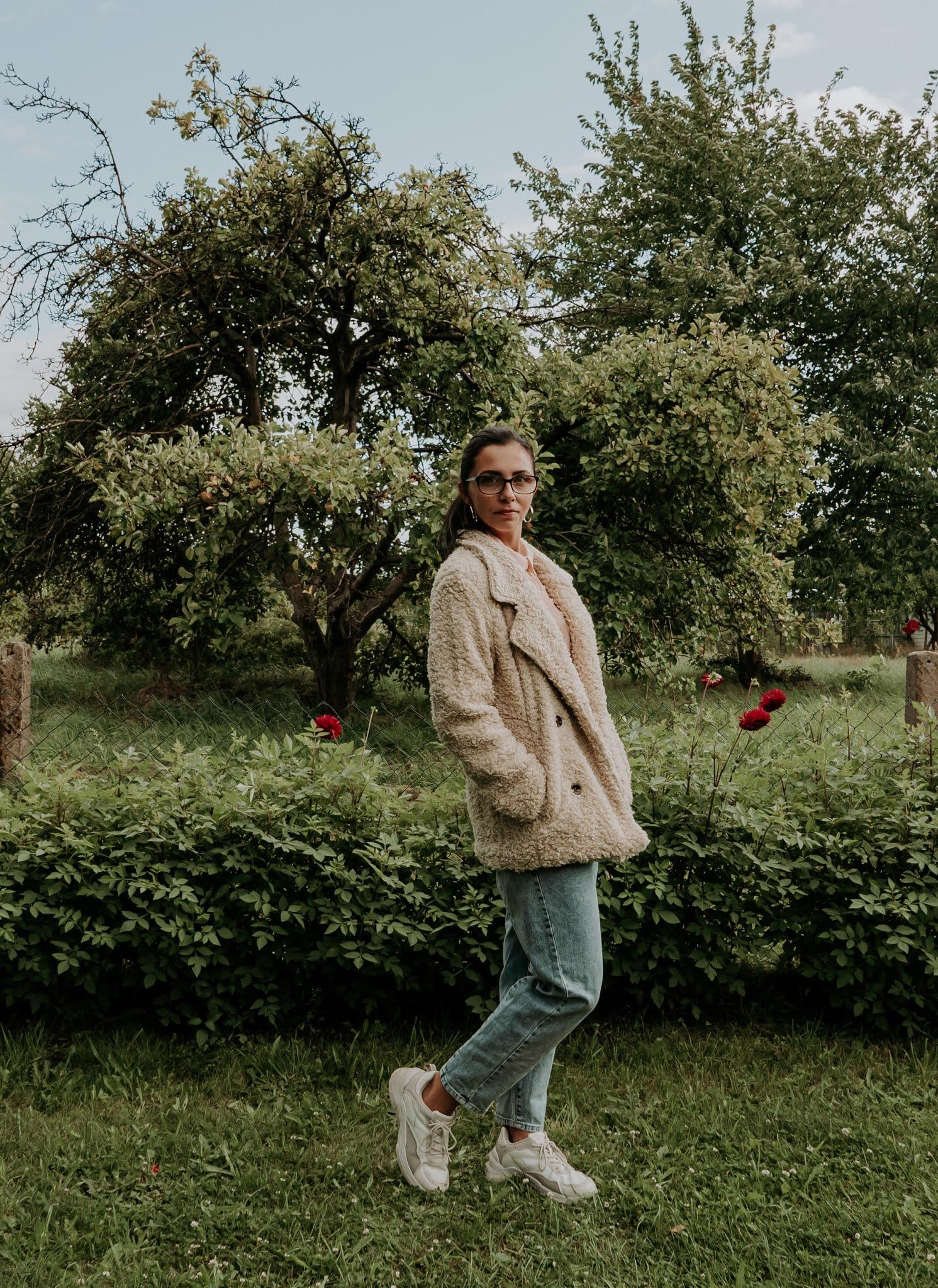 modne płaszcze jesień 2021