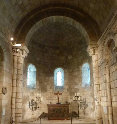 ROMÁNICO EN NUEVA YORK. THE CLOISTERS MET. Capilla de Notre-Dame du Bourg. Ábside