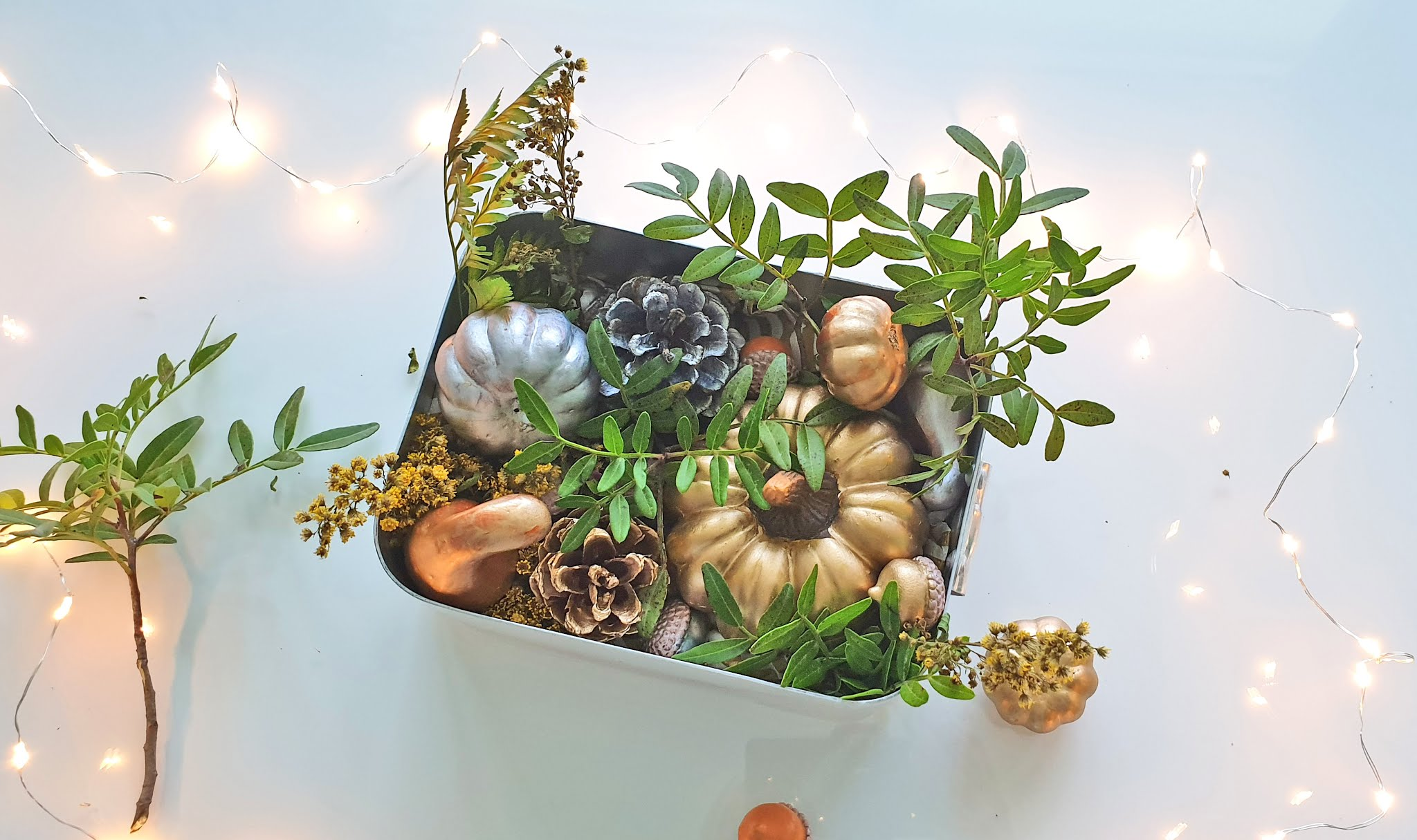 stroik jesienny na parapet