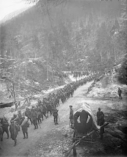 Italian troops on the move in Val d'Assa during the Battle of Vittorio Veneto