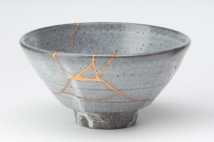 Qué es el kintsugi, la belleza japonesa que acecha tras los objetos rotos