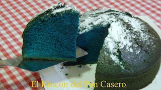 Receta de bizcocho azul pitufo muy esponjoso y original