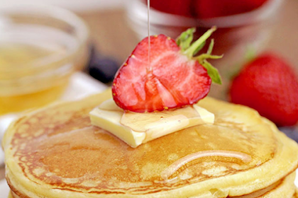 FLUFFY CREAM CHEESE PANCAKES RECIPE