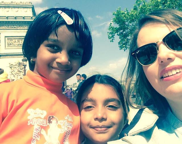 dzieci lubią z nami zwiedzać Paryż