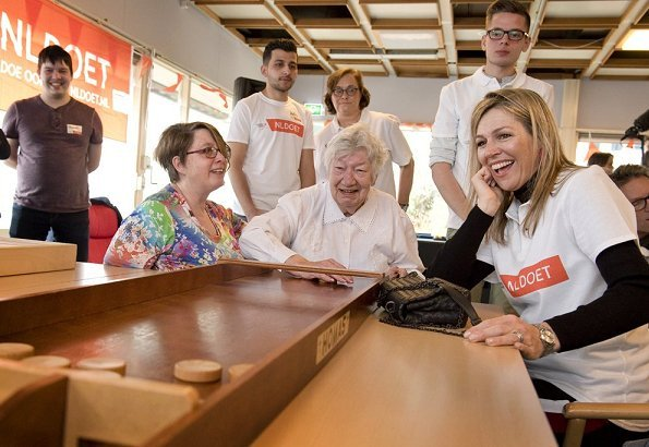King Willem-Alexander and Queen Maxima worked voluntarily for NL Doet 2018 at 't Hofland Care Centre in Pijnac