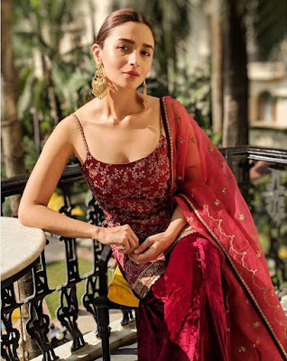 alia bhatt red saree, red saare, alia bhatt in suit