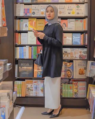 Dinda Hauw jilbab cantik dan manis