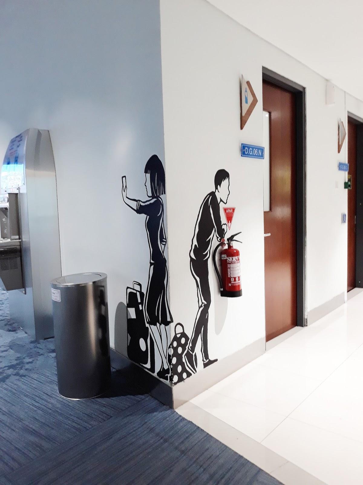 Mural unik Terminal 3 Bandara Soetta
