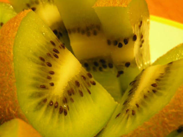 kiwi with the peel