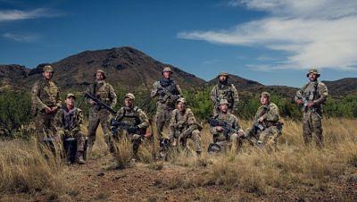 Milicia de Nuevo México detiene a los migrantes a punta de pistola