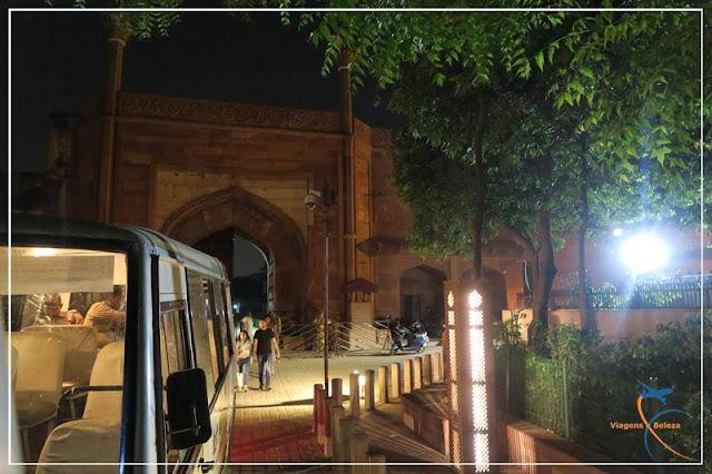 visita noturna ao Taj Mahal
