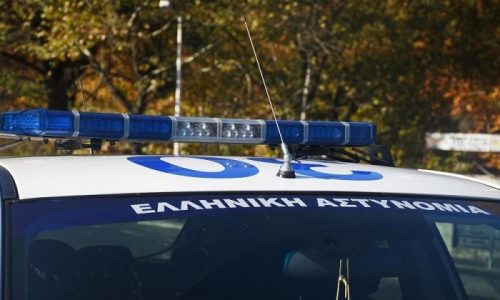 Για απόπειρα ανθρωποκτονίας παραπέμπεται ο 28χρονος που συνελήφθη μετά από επεισόδιο στο οποίο ενεπλάκη μαζί με τον πατέρα του και είχε ως αποτέλεσμα τον τραυματισμό αστυνομικού.