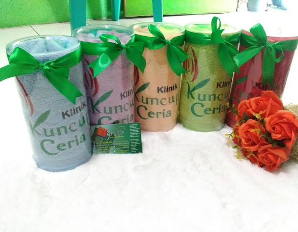 souvenir promosi klinik